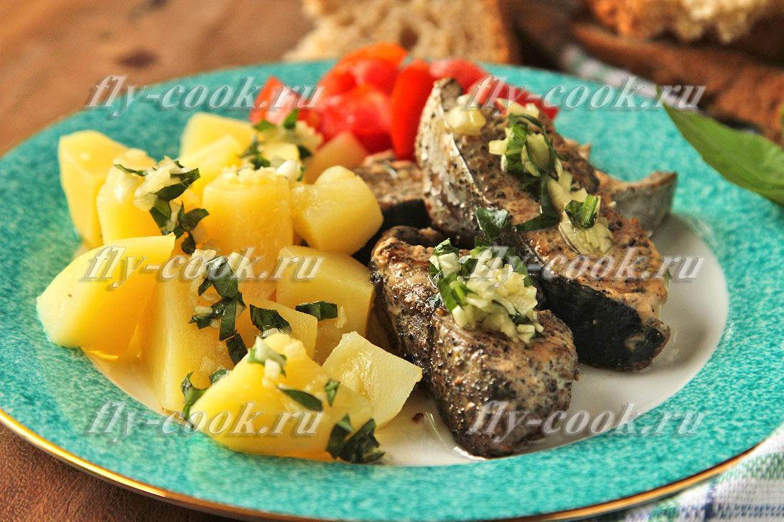 Приготовление вкуснейшего тунца в чесночном соусе